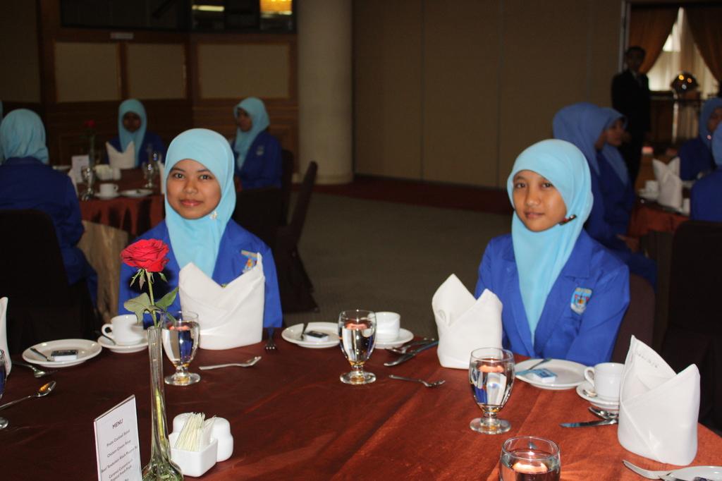 Table Manner SMK Administrasi Perkantoran